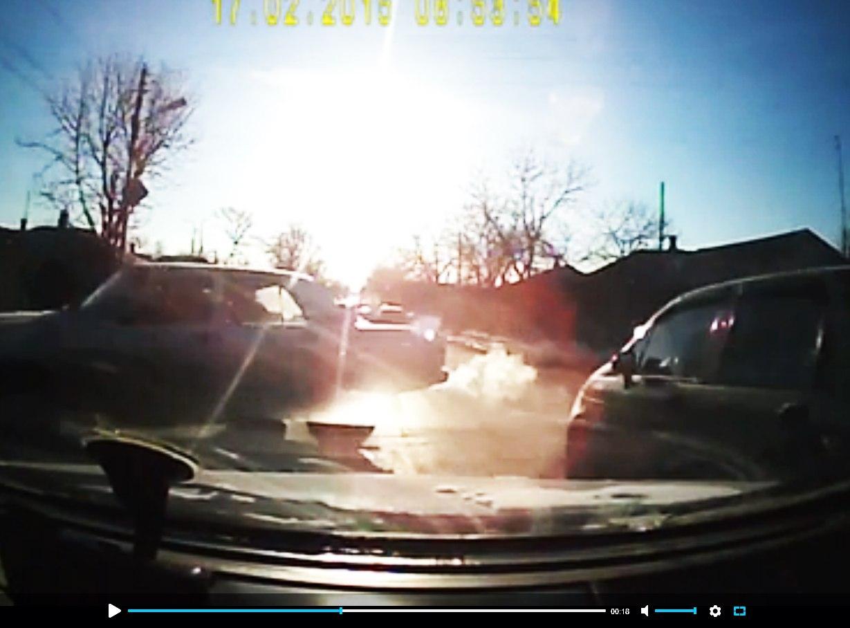 В Таганроге водитель заснял ДТП, в которое он попал