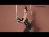 Kim Kardashian, Chelsea Handler... whys everyone naked