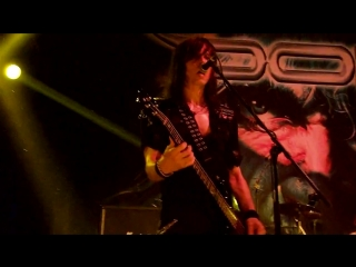 Doro_3_Raise-your-fist-in-the-air_4_East-meets-west(Ekaterinburg 2015)