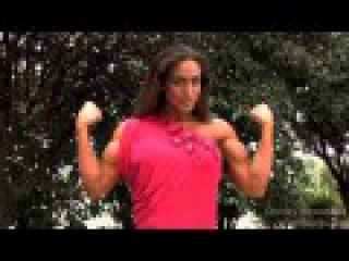 Female Muscle Biceps Flexing    StrongWomanFBB