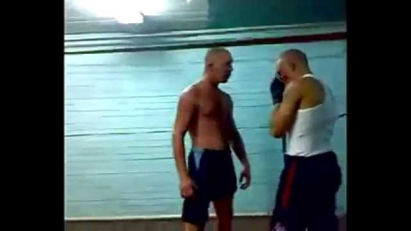 Рома боксёр вырубил. Драка. Бокс