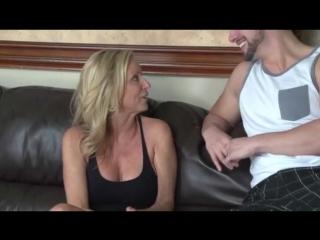 секс стриптиз две блондинки видео