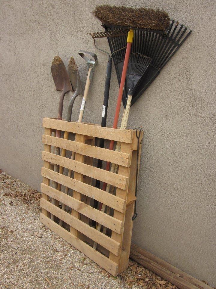 Подставки для садового инвентаря своими руками