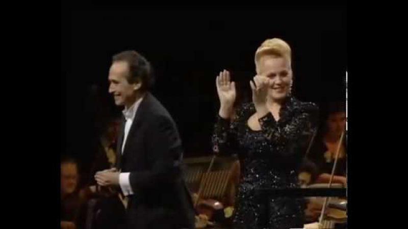 Brindisi (La Traviata) - Carreras, Raimondi, Ricciarelli e Baltsa