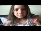 Une petite fille blanche qui pleure car elle veut devenir Noire