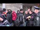 Приезжие укропидарасы сраного секеля с шлюхами в ментовской форме проводят массовые задержания в Одессе жителей города.