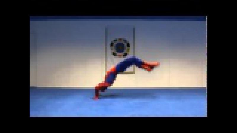 Настоящий человек паук!