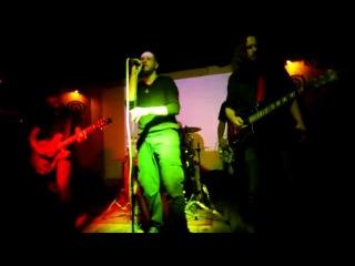 DisH - GraveDigger live