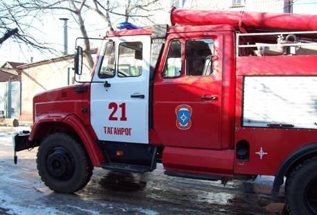 В Таганроге горел жилой дом на Советской