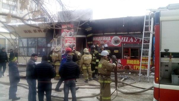 Киоск с шаурмой сгорел на Южном шоссе в Нижнем Новгороде (ФОТО). Pro Город