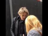 поклонница Джейми подарила ему куртку с логотипом The Darling Buds