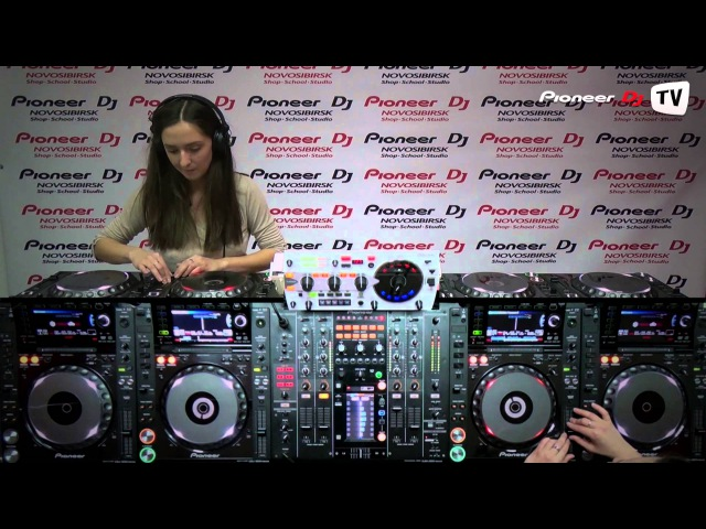 Katya Maksimova (Barnaul) (Tech House) ► Guest Video-Mix @ Pioneer DJ TV