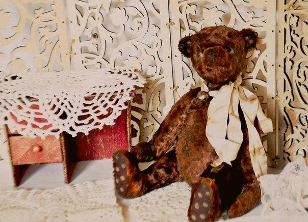 Мишка — тедди. Сшит по классической выкройке 1905 года из антикварного плюша, окрашенного вручную. Н… (2 фото) - картинка