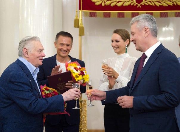 Олег Евгеньевич Меньшиков EWHWTVZieoE