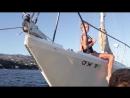 Большие сиськи Шарлотты МакКинни (Charlotte McKinney) на яхте