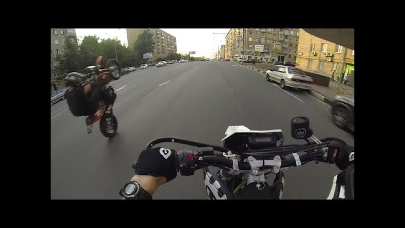 Clack supermoto crew ride in Moscow
