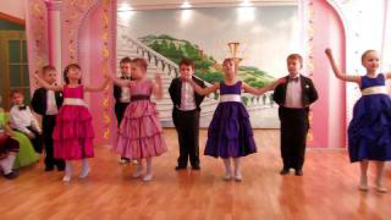 Очень красивый танец в детском саду