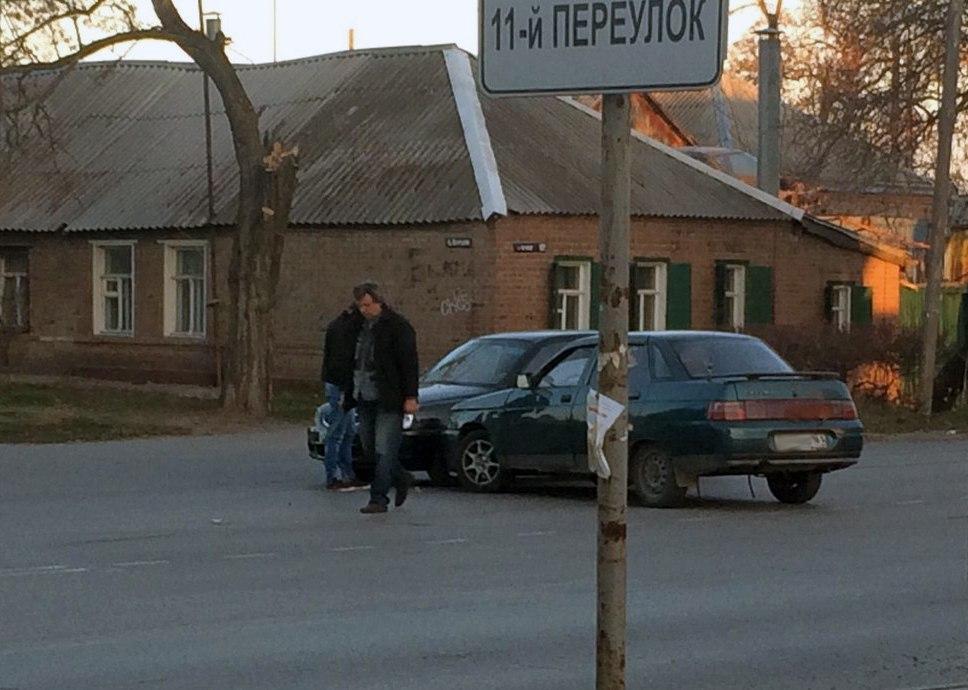 В Таганроге в ДТП попали два такси