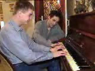 Вот как надо учить играть на пианино