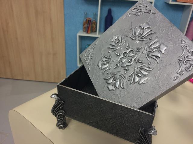 Programa Arte Brasil - 08/06/2015 - Célia Bonomi - Caixa com Textura Metalizada