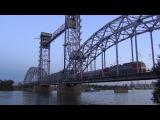 ЭП1М-706 с поездом на мосту через р. Дон