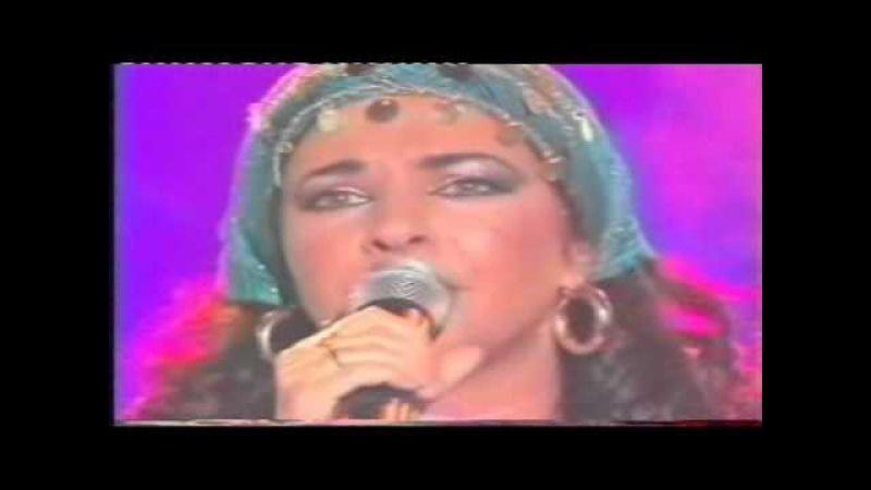 Natacha Atlas Mon amie la rose live stéréo.wmv