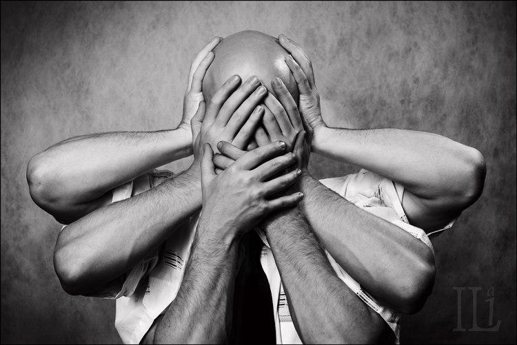 Большинство людей сердятся из-за обид, которые они сами сочинили, придавая глубокий смысл пустякам.