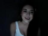 девушка Прикольно поёт про любовь!А ещё она очень забавна и и симпотичная!