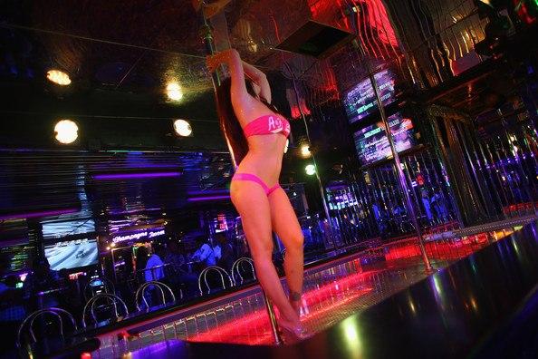 Для работы в стрип клубе Греции есть вакансии для танцовщиц стриптиза!