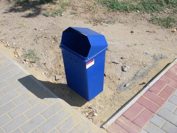 27FseEc4zN0 Белгород-Днестровский: коммунальщики всерьез занялись благоустройством города