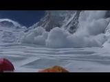 Новые лавины сошли в районе Эвереста 26.04.15