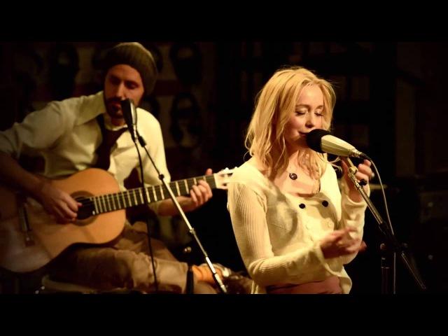 Lisa Ekdahl - Happiness is brief (Live at Studio Atlantis)