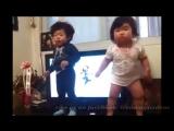 Японские_малыши_танцуют__Реально_смешно__medium