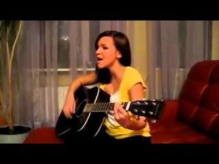 Песни под гитару ! Девушка очень Красиво поет Война ))