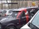 Активисты громят машину торговцев спайсом