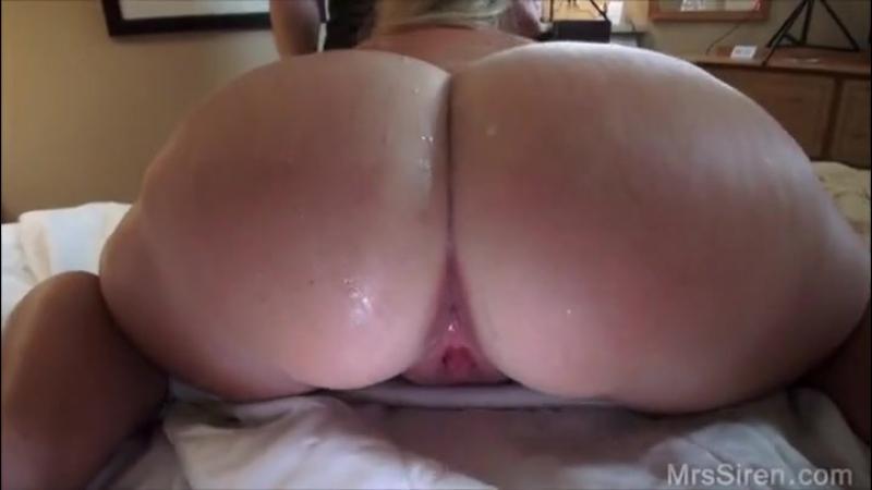 Сиськастую мамку с потрясной жопой расписал на двоих( анал, порно, инцест, milf, big ass, mom, porno, sperm)
