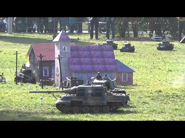 RC Tank Battle (Battle of the Ardennes)