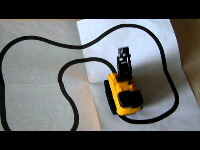 Интерактивная машинка-следопыт (путь из комплекта)