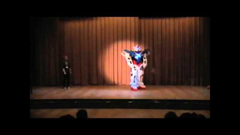26. AnimeFest8 - Defilé - Pona -Gundam Exia (2011)