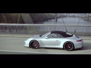 All that matters: Attila Hildmann meets the new 911 Carrera GTS.