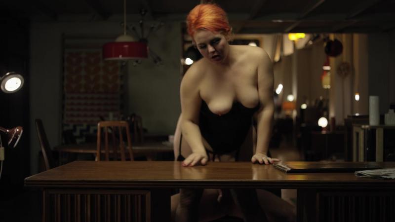 tshirt-joan-mad-men-sex-iseekgirls