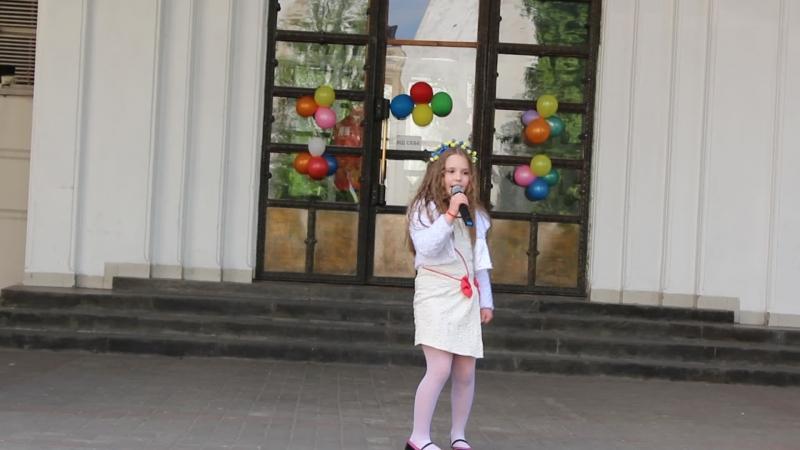 Виступ моєї доні Роксолани Бараненко на День Міста Львова, в Митецькому Центрі FoRa.Весняночка