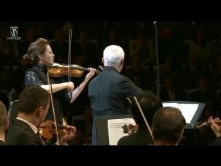 Концерт для двух скрипок с оркестром ре минор. Клара-Джуми Кан (скрипка) Владимир Спиваков - (дирижёр/скрипка).