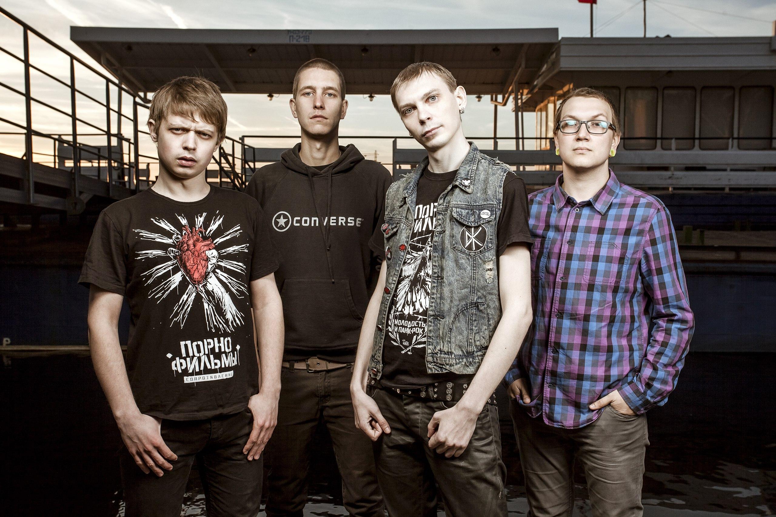 Смотрите русское групповое видео онлайн свингеры.