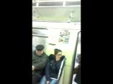 Полицейский и неадекватная бабка в метро