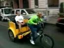 Ellen Rides New York City Pedicab to Show (RUS SUB)