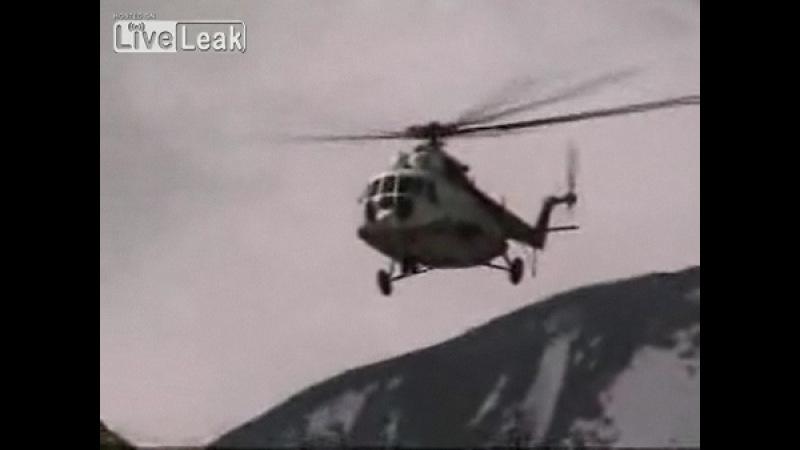 Жесткая посадка Ми-8 в Непале(Makalu Basecamp)
