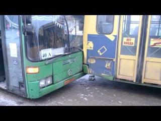 В Липецке в районе НЛМК произошло две аварии с участием автобусов