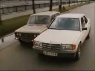 Барханов и его телохранитель (1996) car chase scene