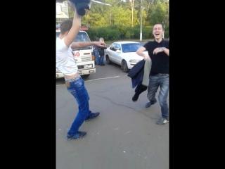 Стриптиз на площади Семен и Максим:) ужас:)